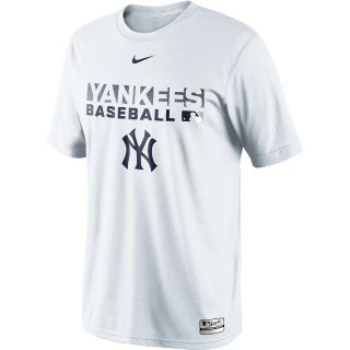 NIKE Mens New York Yankees Dri FIT Legend Team Issue Short Sleeve T Shirt