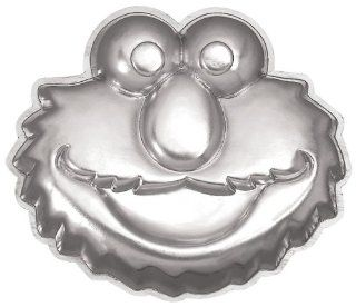 Wilton Elmo Face Cake Pan Kitchen & Dining