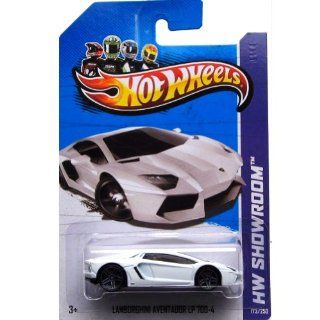 Hot Wheels 2013, Lamborghini Aventador LP 700 4 (WHITE), HW SHOWROOM, #173/250. 164 Scale. Toys & Games