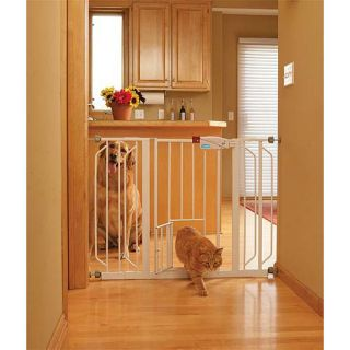 Carlson 0930PW Extra Wide Walk through Metal Gate with Pet Door
