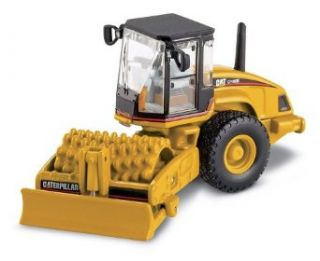 Norscot Cat CP 563 Padfoot Drum Vibratory Soil Compactor 187 scale Toys & Games