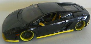 Maisto 1/24 Scale Diecast Custom Shop Series Lamborghini Gallardo Lp560 4 in Color Black with Yellow Trim Toys & Games