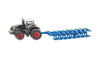 Siku 1862 Fendt 939 Tractor with Plough Toys & Games